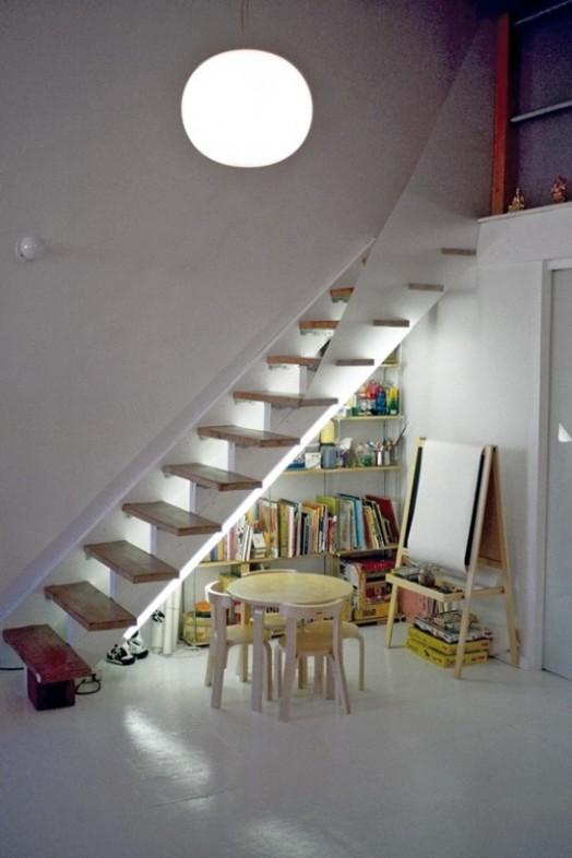 idea tempat main anak bawah tangga1