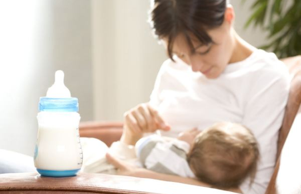 5-Cara-Mudah-Menyimpan-Susu-Ibu-Dengan-Betol-3
